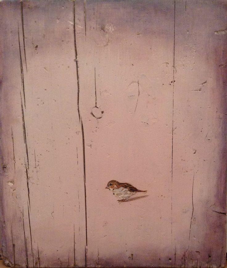 Pájaro fondo rosa. acrílico sobre madera recuperada