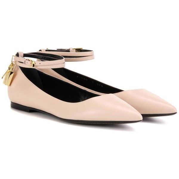 Tom Ford Padlock Leather Ballerinas ($1,060) ❤ liked on Polyvore featuring shoes, flats, beige, ballet shoes, beige flats, leather flats, tom ford shoes and ballerina shoes