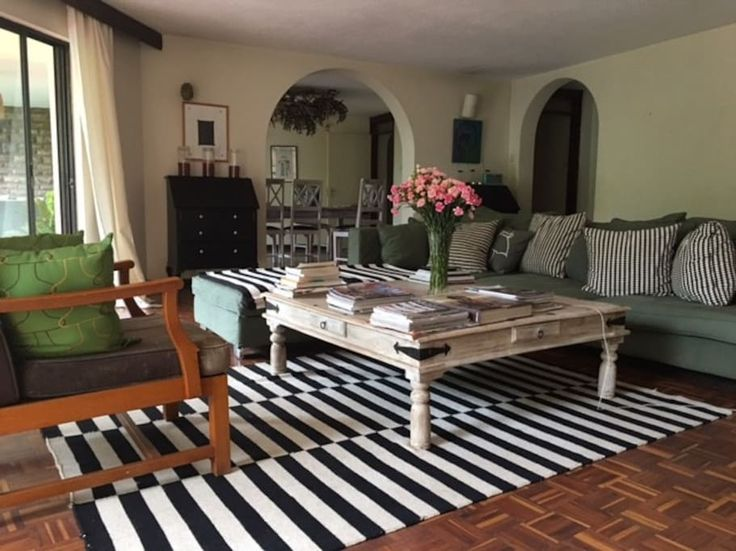 Loft in Nairobi, Kenya. Double room for rent with an ensuite bathroom. We can prepare it with a double bed or two single beds. The room is set in a spacious 200 square meters top floor apartment with a view on a luscious garden. The loft is decorated with African contemp...
