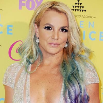 Hot: Britney Spears's Latest Poolside Bikini Pic Will Astound You