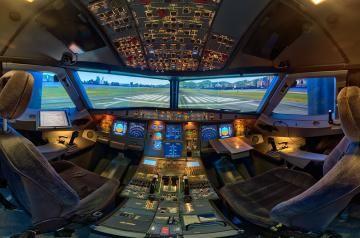 Hier ein Bericht von einem ausgesprochen guten Airbus A320 Homecockpit mit Interview des Homecockpitbauers. Ein ausgesprochen gut gebauter privater Flugsimulator!
