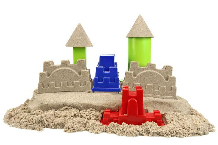 ***¿Cómo hacer Arena Moldeable?*** Aprende una receta simple para preparar arena moldeable en casa, para divertirse con los niños creando figuras de forma simple y creativa......SIGUE LEYENDO EN...... http://comohacerpara.com/hacer-arena-moldeable_18019h.html