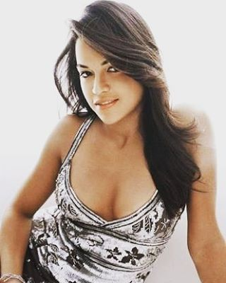 �� Michelle Rodriguez ❤ ★ #michellerodriguez #thefateofthefurious #furious8 #furious7 #fastandfurious #girlfight #avatar #letty #actress #celebrity #女優 #actriz #actrice #attrice #mima #atriz #актрисакино #instagood #picoftheday #new #fashion #movies #tv #seethru #dress #bikini http://tipsrazzi.com/ipost/1518175722613628130/?code=BURpMatAdzi