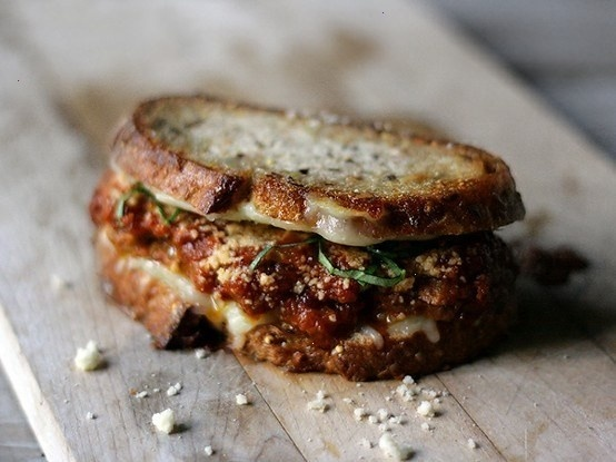 Panino con le polpette!!!! Mmm..me gusta!!! meatball marinara grilled cheese