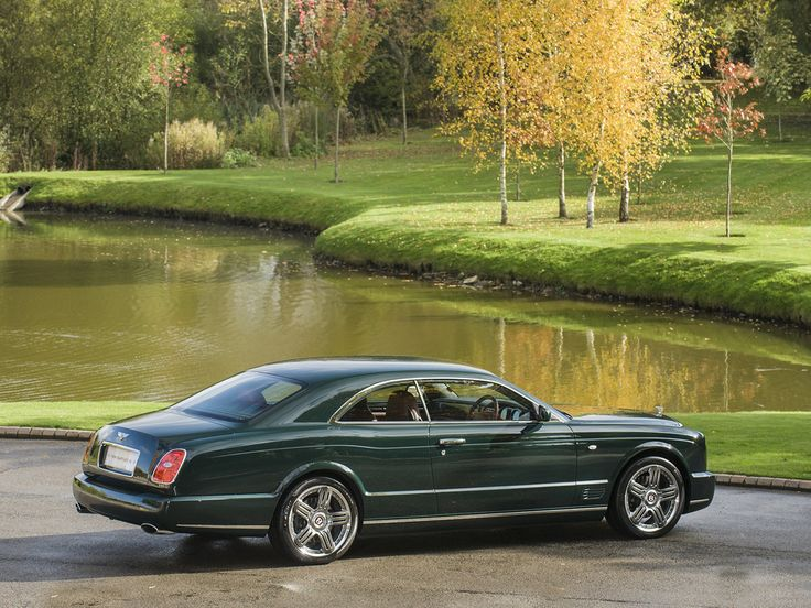Bentley Brooklands-look at those lines. That colour.