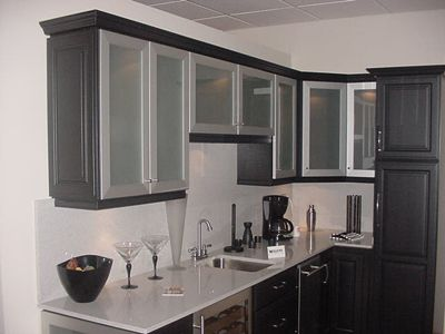 Kitchen frosted cabinet doors my casa pinterest for Black kitchen cabinets with glass doors
