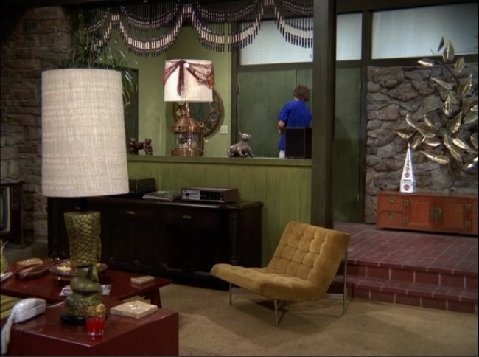 Charmant Wish Mike Brady Could Do My Great Room.