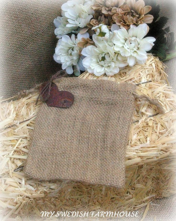 Burlap Bags with Rusty Heart Tag Favor or by MinSvenskaLandgard