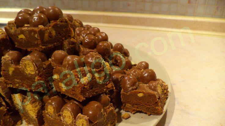 Fudge σοκολάτας με φυστικοβούτυρο και Maltesers