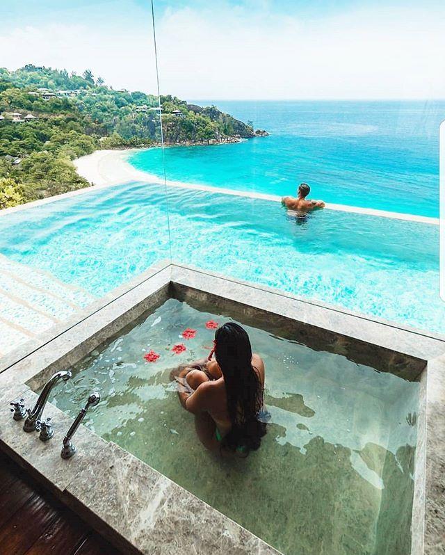 Monday motivation.....How stunning  #Seychelles #holiday #bosslife #vacation #vacay #globe #globetrotter #traveller #travel #sun #sunseasand #beach #beachbody #lyl #loveyourlook #timeout #randr #restandrelax #rnr #dope #lifestyle #goals