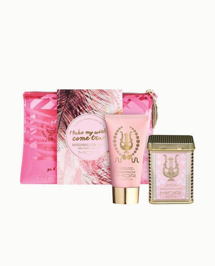 Make wishes come true with this limited edition Cosmetic Purse featuring a gold feathered zip. This chic Purse comes with a vitamin enriched Hand Cream and Triple-Milled Soapette in the mesmerising scent of Marshmallow.