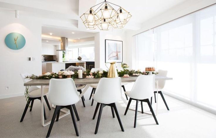So much love for this dining room! The white roller blinds were a perfect choice to keep this space filled with light. Image via @theblock9 ‪#‎dining‬ ‪#‎diningroom‬ ‪#‎rollerblinds‬ ‪#‎blinds‬