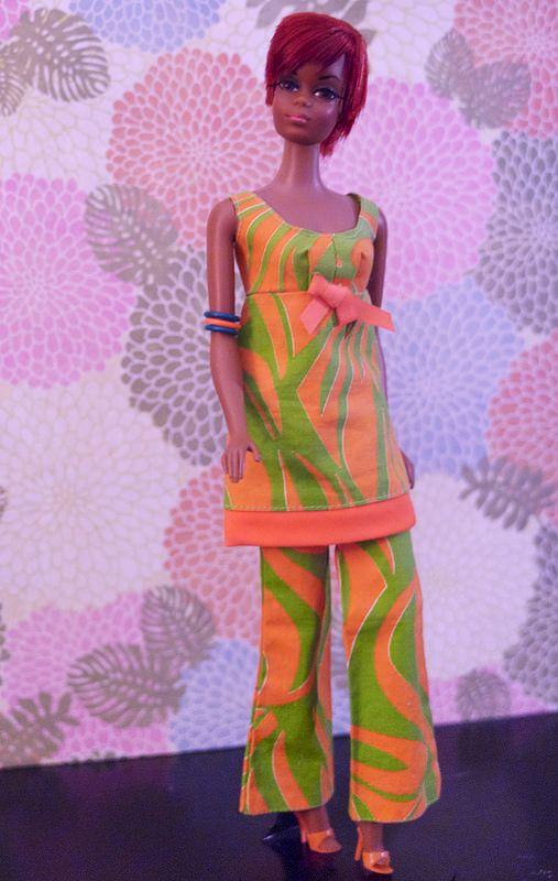 Mod Era Barbie - Twist n' Turn Julia doll