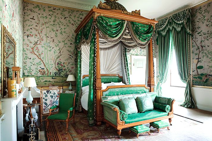 Downton Abbey in real life:grand english bedroom