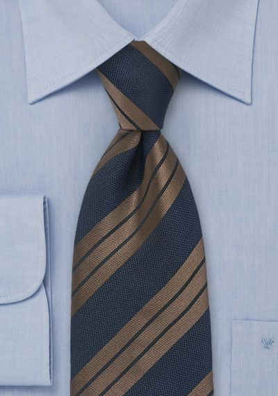 A better Ravenclaw (blue/bronze) tie.