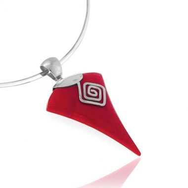 A 925 handmade silver pendant featuring a vibrant red coral gem, hand carved and shaped like an arrow. The red coral stone is set in a Circle of Life modern design, symbol of the infinity of things in universe and the cyclical nature of life, in ancient Greek mythology. This coral silver pendant has a modern, timeless and classic style that will always be in fashion. Create varying looks with only one piece of silver jewellery.