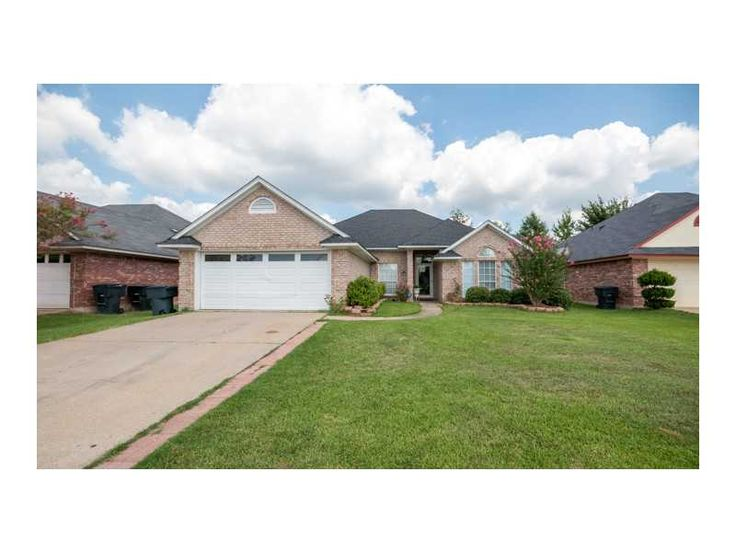 Bossier City Home For Sale In Lafayette Park Sub Subdivision 6007 CARDINAL Ln