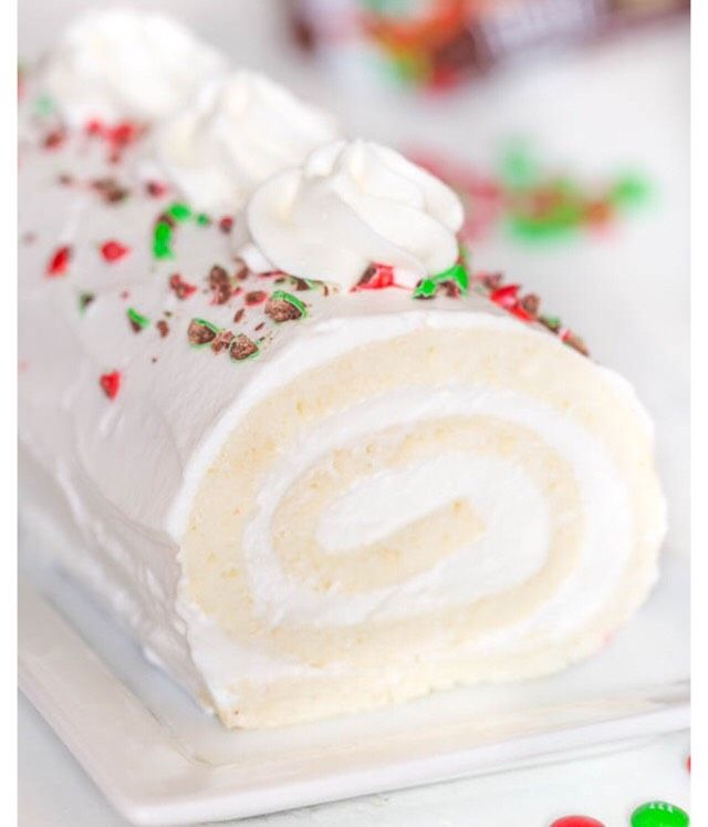 SNOW WHITE ROLL CAKE #Food #Drink #Musely #Tip