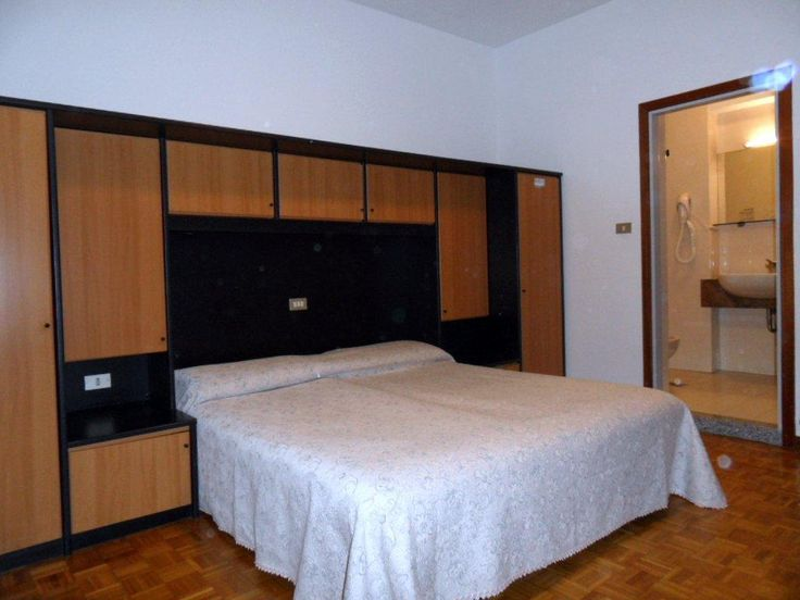 Hotel La Perla – Riva del Garda for information: Gardalake.com