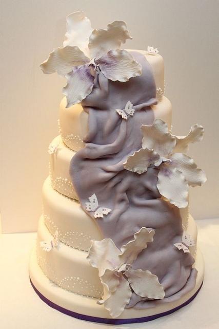 Hochzeitstorte 5-stöckig mit XXL Orchideen lila flieder by suess-und-salzig, via Flickr