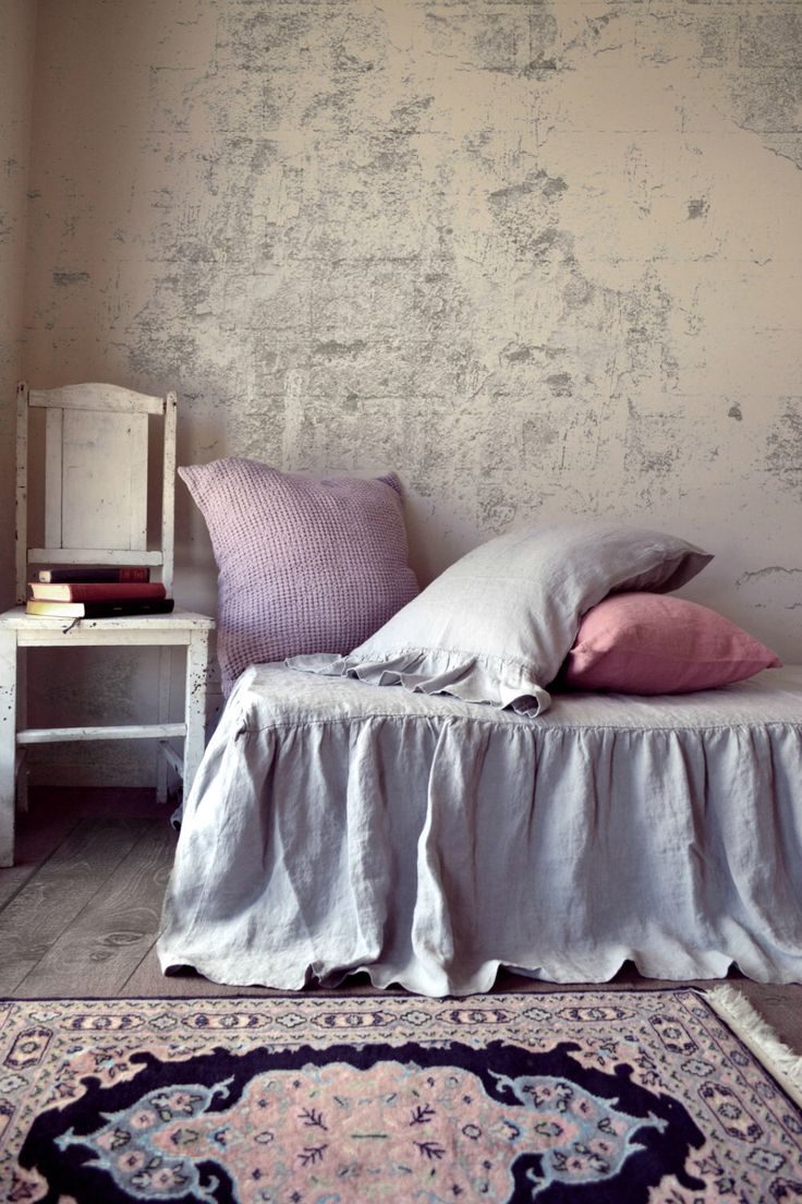 Grigio chiaro Stonewashed Bedskirt arruffato lino naturale. Mantovana. Letto volant di HouseOfBalticLinen su Etsy https://www.etsy.com/it/listing/227654286/grigio-chiaro-stonewashed-bedskirt