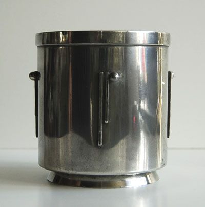 Pewter cigare-beaker with geometrical decoration in Art Deco style design Chris van der Hoef ca.1930 executed by Gero
