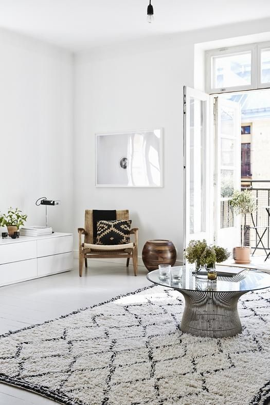 I was never a fan of rugs in general but it seems as though every interior design photo im pinning or saving has one thing in common a moroccan rug