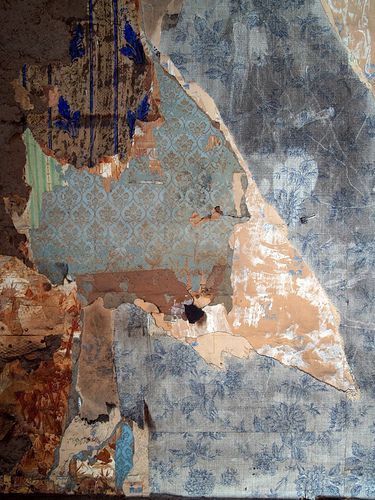 Wall of old farmhouse in Sweden photo by Charles Linden via Flickr -- incredibly cool textures. ( Makes me wish I'd taken pictures of our walls before we renovated.  Also gives me great ideas for deconstructed collage.)