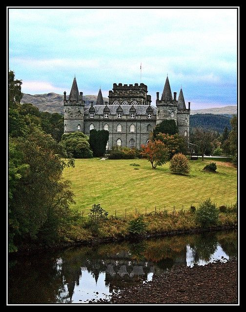 Inverary Castle, Argyll. Downton Abbey Christmas special location ...