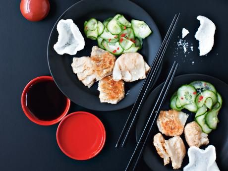 Japanska gyoza med dippsås och gurksallad