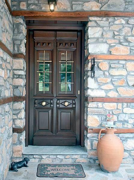 Classy design of a wooden door by interSCALA
