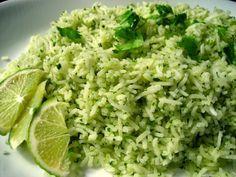 パクチーといえば、タイ・ベトナム料理が思いつく方が多いのではないでしょうか。 実はインド料理にも、コリアンダー(パクチー)の種はスパイス、茎や葉の部分はフレッシュハーブとして、多く使われます。北インドのカレーと違い、油分も少なくさらっとしていて日本人の口にもよく合う、南インド料理。是非一度お試しを!