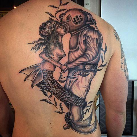 Tattoo art back tattoo design of a mermaid vintage for Mermaid tattoos pinterest