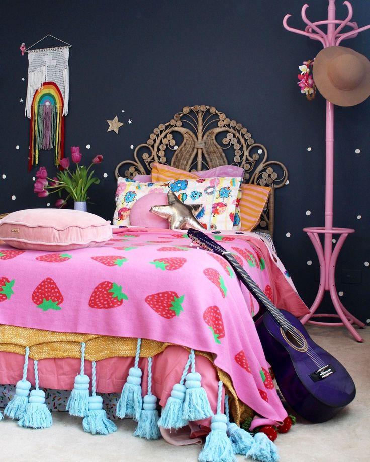 Boho kids bedroom   girls bedroom ideas using vintage finds. More on the blog www.fourcheekymonkeys.com