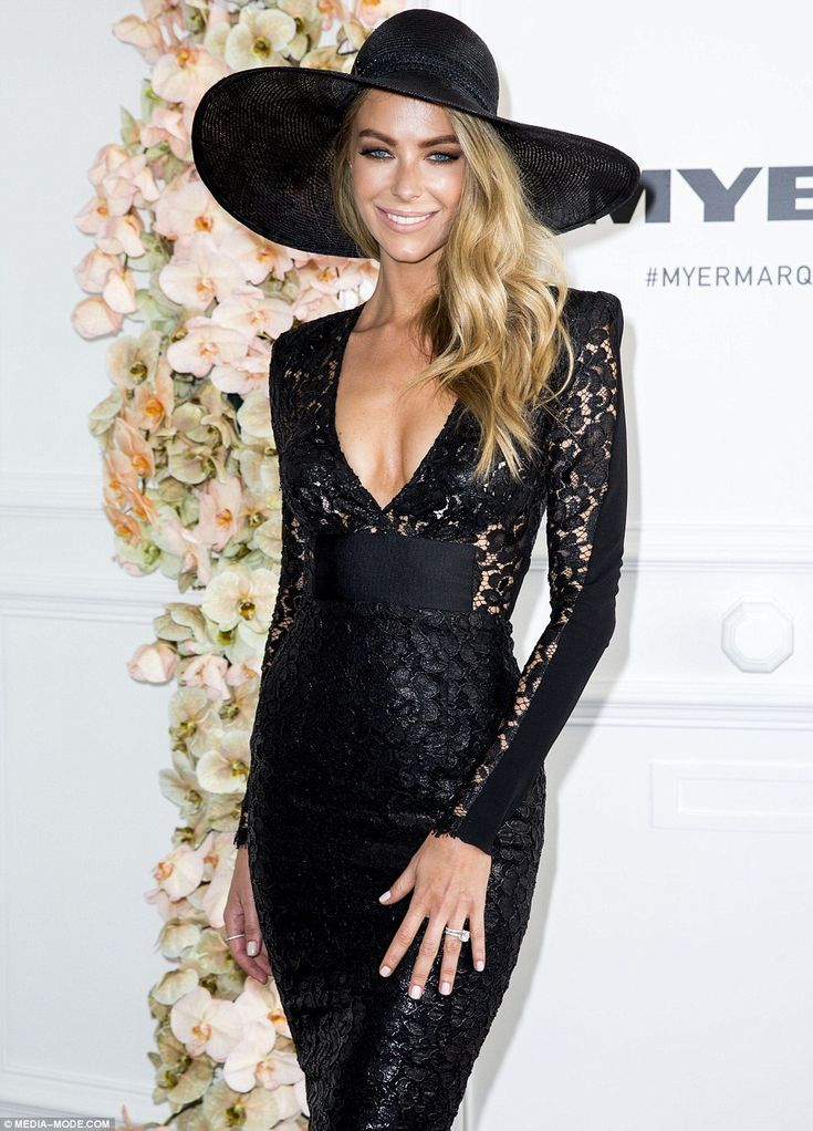 Jen Hawkins: Prep with Miracle Hair Treatment and blow dry in. Take a large tong and tong hair in vertical sections, allow hair to cool and break up waves with your hands. Sweep to one side and finish with Give Me Hold Flexible Hairspray. #JenniferHawkins #MiracleHairTreatment #GiveMeHoldFlexibleHairspray #ELEVENAustralia #DerbyDay