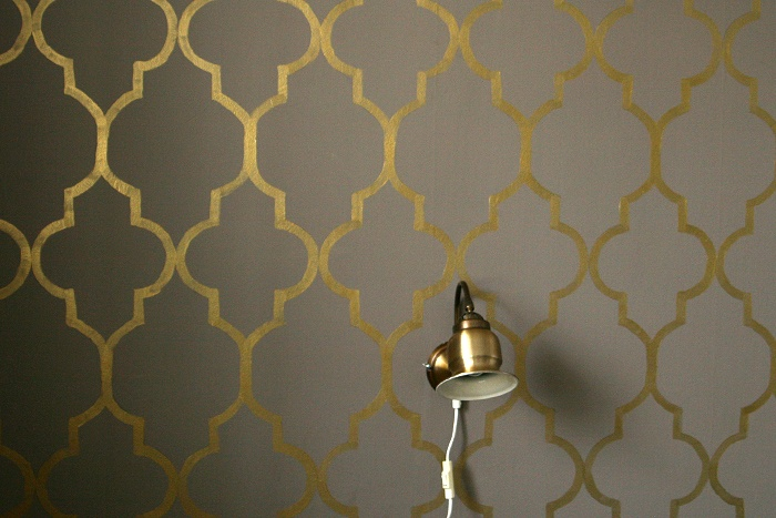 userin dryad. Mit Schablone gemaltes Muster. Tolle Goldfarbe!
