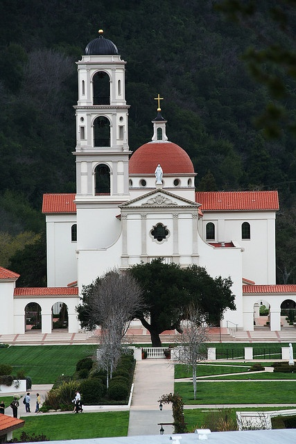 St. Thomas Aquinas College, Santa Paula, California by rarefruitfan