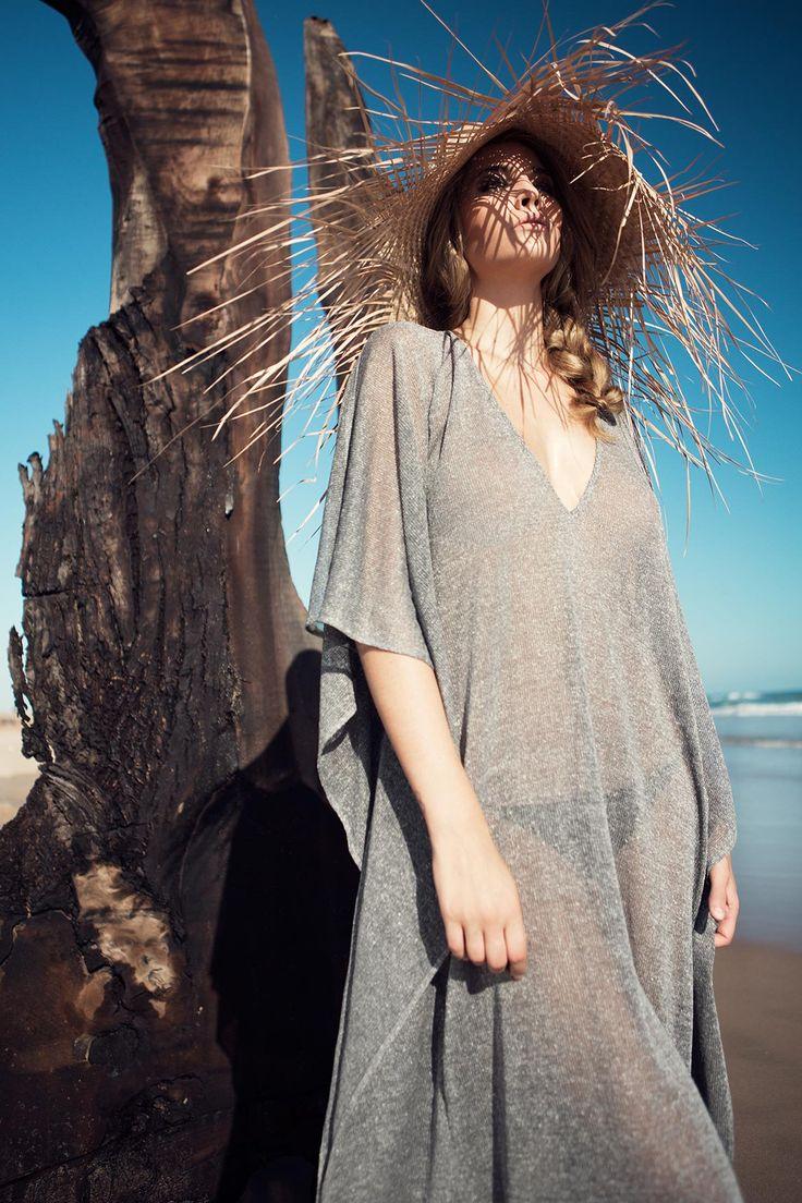 Beach cover ups, beach kaftan, beach poncho… Discover the latest SU Beachwear…