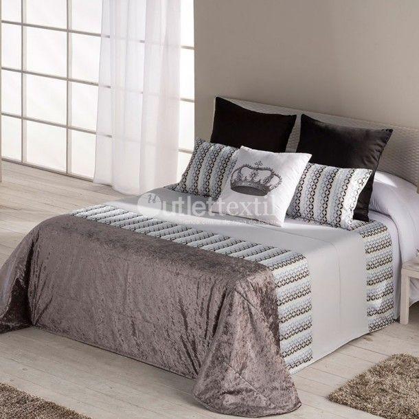 Colcha Bouti BAUTE de la firma Barbadella Home. Esta colcha es ideal para aquellos que buscan una ropa de cama sencilla, acogedora y elegante. Disfruta del diseño sin renunciar al confort.