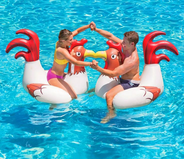 Cock-Fighting Floating Chicken Fight Pool Toys (2-Pack)