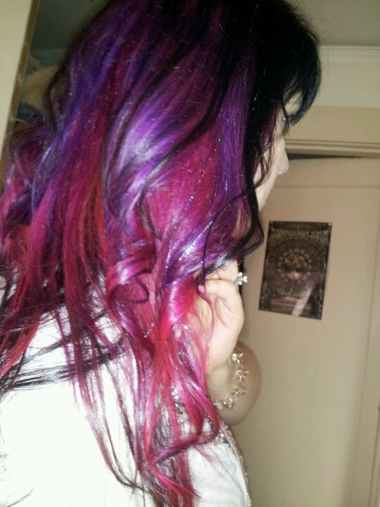 new pink purple and red violet hair ombre steez. Black Bedroom Furniture Sets. Home Design Ideas