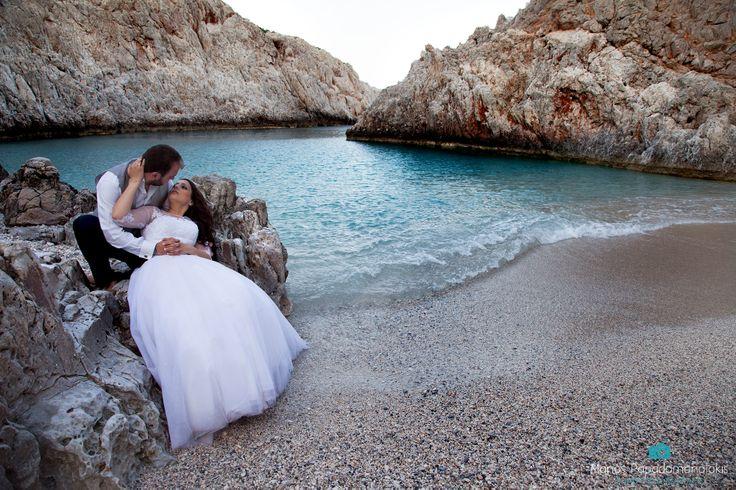Μία τελευταία εικόνα από το next day του Ρούσσου και της Ρούλας... περισσότερες εικόνες σύντομα στην ιστοσελίδα μας(www.manospapadomanolakis.com) Θα ήθελα δημόσια να τους ευχαριστήσω που με εμπιστεύτηκαν για να φωτογραφίσω τον γάμο τους... να είστε πάντα χαμογελαστοί και ευτυχισμένοι!!!
