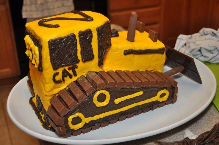 Construction birthday party: bulldozer cake instructions on how to make a Dozer Case