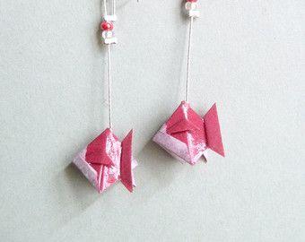 Articoli simili a Pesce rosa Origami orecchini su Etsy