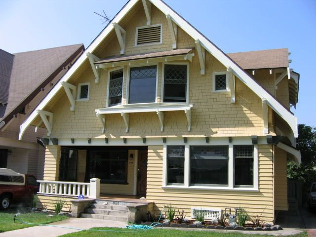 Victorian craftsman homes los angeles jim weber for Characteristics of craftsman style homes