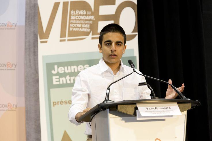 Iman Shariat Jafari pitching Foodpost