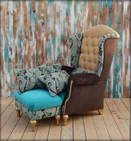 Купить или заказать кресло №57 комплект в интернет-магазине на Ярмарке Мастеров. КРЕПКОЕ БУКОВОЕ КРЕСЛО.удобная посадка и только комфортные решения.. английский стиль.классика. цветовая гамма-яркая бирюза,светлый песочный и горький шоколад,гвозди и ножки -старое золото. кресло станет вашим любимым местом в доме и ярким акцентом ,приковывающим внимание гостей.