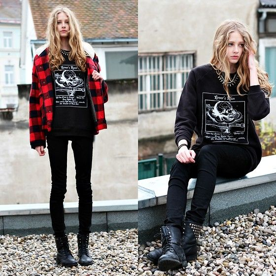 The Orphan's Arms  Black Oversized Pullover, Only  Black Skinny Jeans, Black Studded Boots, Vintage Plaid Jacket