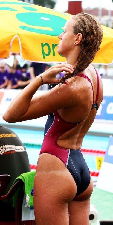 Swimming Women Ass 110