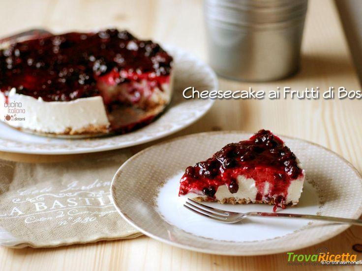Cheesecake leggera alla salsa di more e mirtilli  #ricette #food #recipes